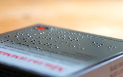 Etykiety zawierające tekst pisany alfabetem Braille'a na produktach – nowy trend